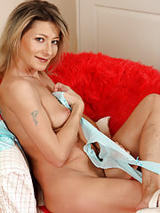 Mom Syndi Bell